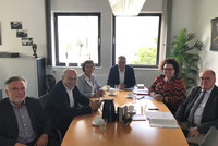 Im Gespräch: Jürgen Slawik, Dr. Bernhard Langenbrinck, Patricia Florack, Andreas Hemsing, Sandra van Heemskerk und Michael Bublies (v.l.n.r.). Foto: © komba gewerkschaft nrw